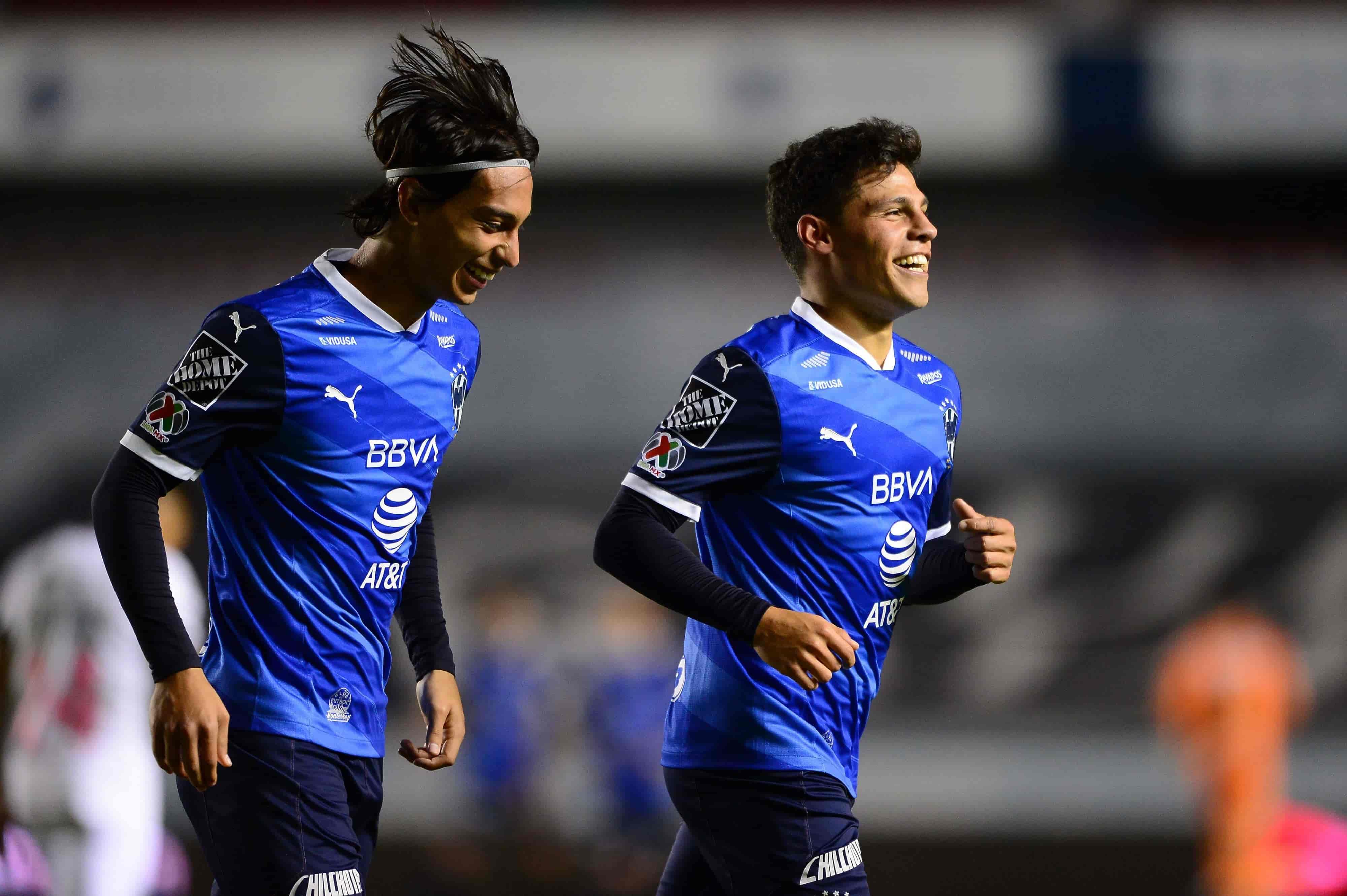 Rayados vence a Querétaro 1-2 a domicilio